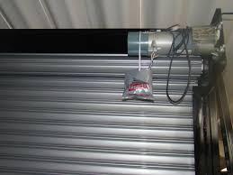 Manutenção de porta de enrolar automática